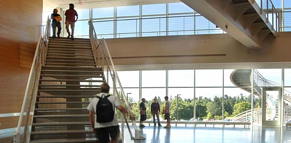Swenson Science Building welcomes Fall 2005 students.