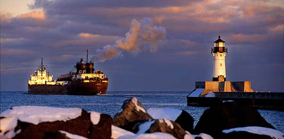 Elton Hoyt II departs from the Duluth harbor on a brisk evening.