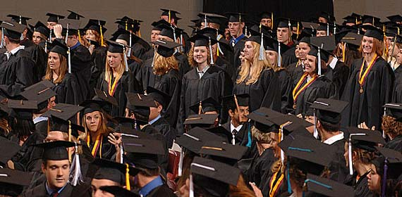 The 2006 UMD Bachelor's Degree Commencement will be held on May 13. Approximately 1000 of the 1,641 graduates will be participating in the ceremony.