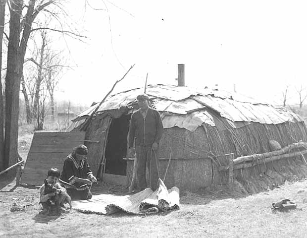 minnesota history ojibwa indians essay How we know are midwest indians typical this volume contains a good essay by r david edmunds on the this is a history of minnesota ojibwa politics from.