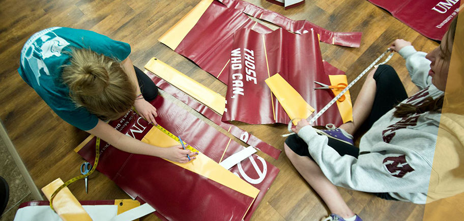 UMD students create messenger bags from old UMD banners