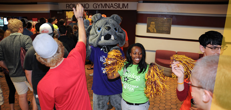UMD freshman welcomed during 2014 Bulldog Welcome Week